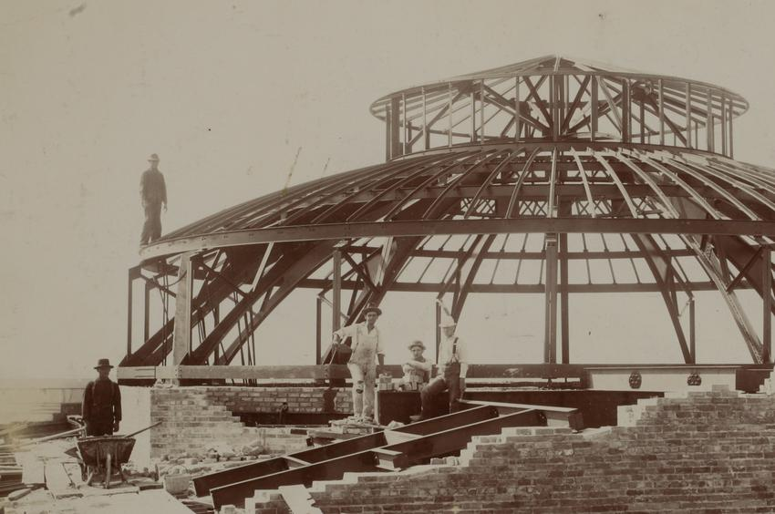 Capitol workers by dome above senate chamber, 1900