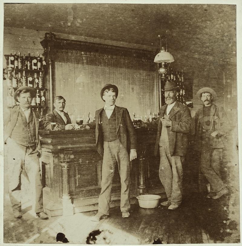 Men drinking in a saloon, Saint Paul, Minnesota