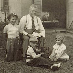 Nils Nelson and Grandchildren