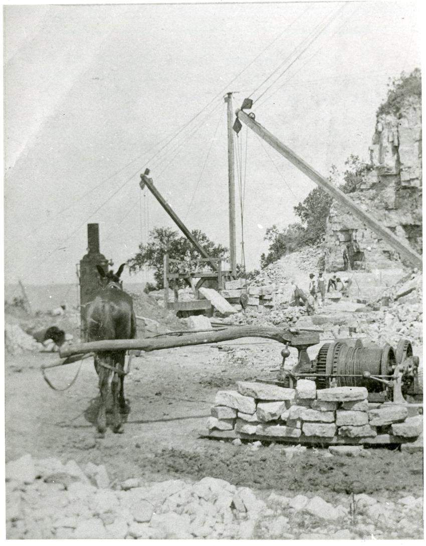 Horse-powered quarry crane