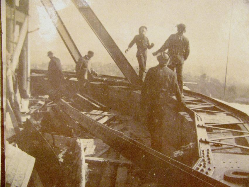 Ironworkers and framework of Minnesota State Capitol dome, 1901