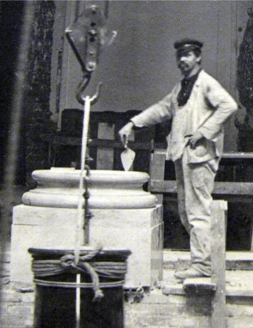 Stone mason, probably Nils Nelson,  April 4, 1904, Minnesota State Capitol