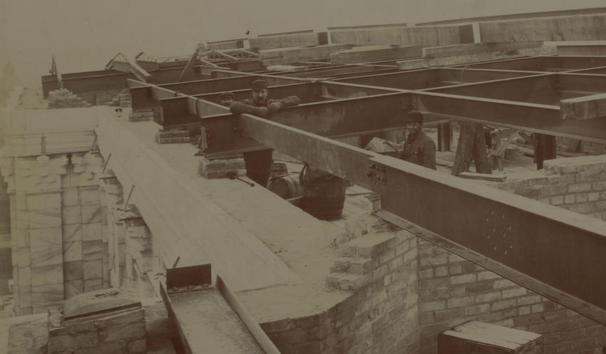 Ironworkers on Capitol roof 1899-12-1
