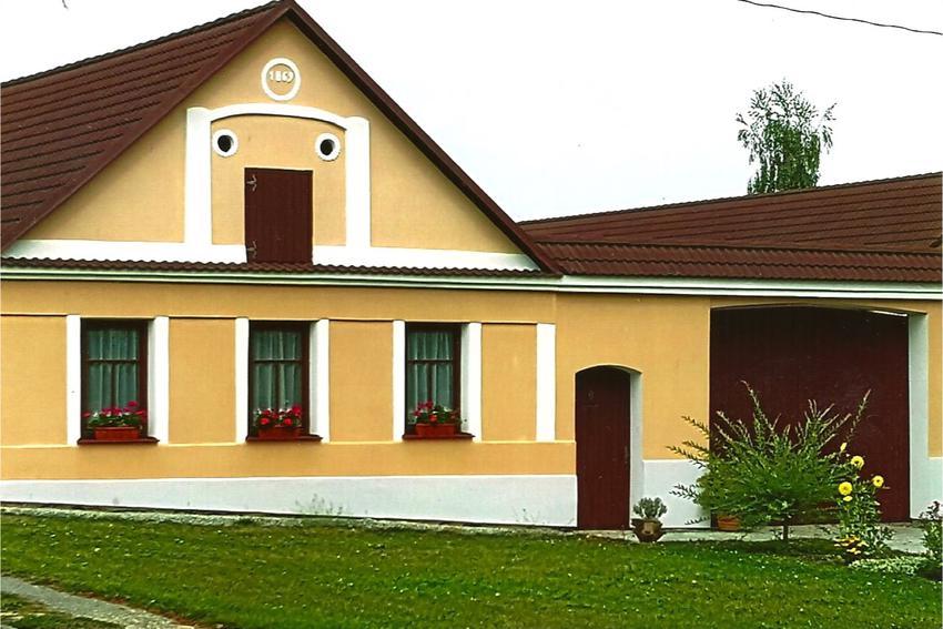 Rachač'family home in Mažice, Bohemia (now Czech Republic)