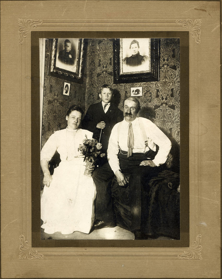 Wedell family circa 1911 - Emma, Gustave & August